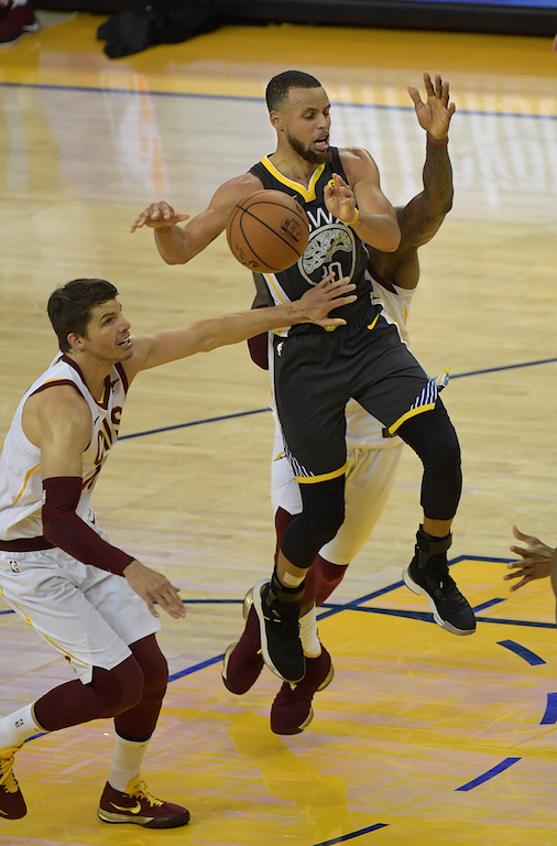 _Warriors,Cavs_06-03-18 0020